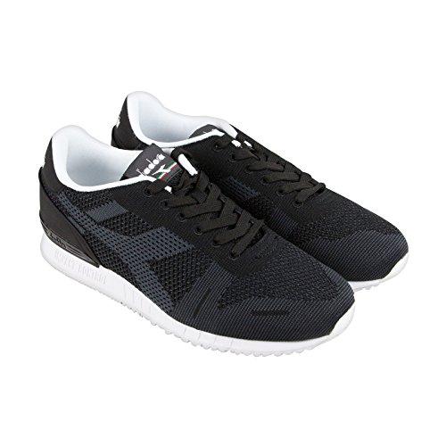 Scarpe sneakers Diadora da uomo in tessuto mesh traspirante nero con logo laterale sulla tomaia.TITAN WEAVE taglia 45