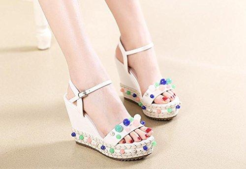 BaiLing Sandales d'été pour femme / talon compensé en paille tricotée à la main imperméable / perles de couleur chaussures de fond épais / petite taille White