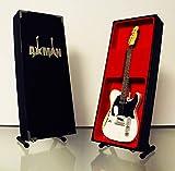 Miniaturgitarrennachbildung Rick Parfitt, abgenutzter Look, weiß-Mini-Modell, Rock-Kuriositäten, Nachbildung, Miniatur-Gitarre aus Holz