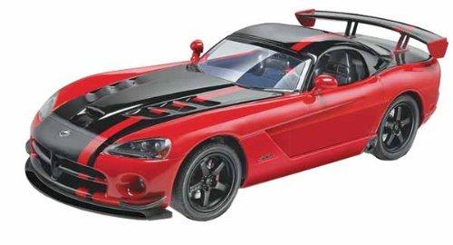 revell-125-dodge-viper-srt10-acr-model-kit