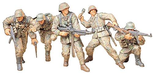Tamiya 300035196 - 1:35 WWII Figuren-Set Deutsche Frontsoldaten (5) (Deutsche Modelle Infanterie)