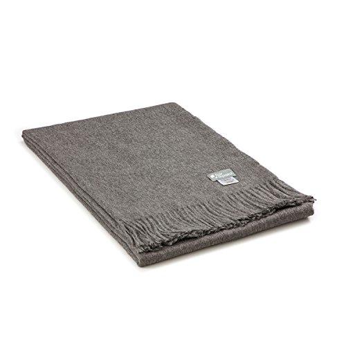 Kuschelige Baby Alpaka Decke in 10 Farben - 100% Alpakawolle (kratzfrei & weich) 200 x 130 cm - Plaid Tagesdecke / Wolldecke Öko Tex 100 zertifiziert - Dunkelgrau uni