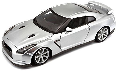 Hobby BBurago 18-11030 Diamond - Nissan GT-R a Escala 1:18 en Color Blanco
