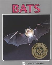 Bats (Lerner Natural Science Books) by Sylvia A. Johnson (1989-04-01)