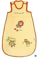 I sacchi nanna Slumbersac assicurano che i bambini dormano in un modo sicuro e a una temperatura costante.  I sacchi nanna Slumbersac sono disponibili in quattro misure Tog. Il TOG è l'unità di misura per la resistenza termica dei tessuti. Ma...