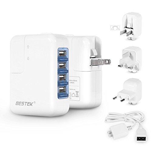 BESTEK Ladegerät-Set mit 4 USB(je 0-2,4A), Reiseadapter mit 3 Steckdosenadapter und Netzkabel für EU, UK, USA und JP, weiß