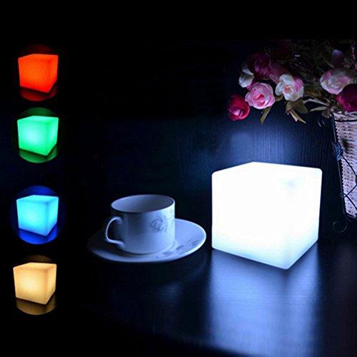 LEDMOMO Night Light / LED Cube Lights Lumière d'humeur douce pour table Décoration de chambre à coucher (actionnée par batterie)