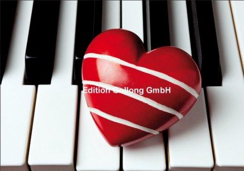 Doppelkarte-Herz-auf-Klaviertasten