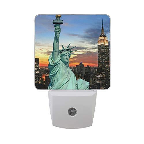 Nachtlicht Die Freiheitsstatue und New York City Skyline, 2Pack Light UK-Stecker 0,5W Sensor Automatik Open Close Persönlichen Innen für Kids Baby Kinder Kinder Erwachsene Schlafzimmer Flur Geschenk Deco
