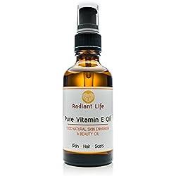 Vitamin E Pflegeöl von Radiant Life reines, natürliches Vitamin E Pflegeöl, ideal für die Haut, Haare, Nägel und Lippen. Repariert und belebt die Haut und Narben, befeuchtet, stärkt und pflegt Nägel und Haare. 4-in-1 Pflegeöl.