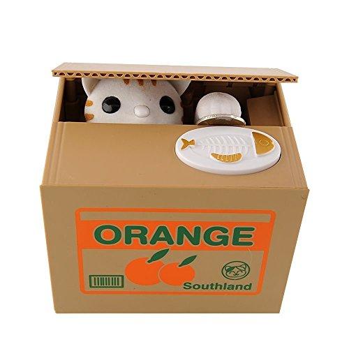 Especificación: Material: ABS Dimensiones: 12 * 10 * 9 cm Baterías: 2 pilas AA (no incluidas)  Fácil usarlo ❤ Sólo se necesita una moneda en la bandeja y luego el gato va a salir de la caja, para robar sus monedas. ❤ Cuando se llena, basta con ret...