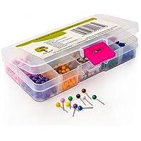 Chinchetas de cabeza redonda de OfficeTree® - 500 unidades 10 colores 3,5x15 mm - Chinchetas para muros y mapas - para el tiempo libre, el colegio, el trabajo y la casa - Fijación en corchos, mapas, fieltro y poliestireno - En una caja de almacenamiento.
