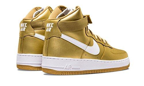 Nike Air Force 1 High Retro Qs, Chaussures de Sport-Basketball Homme Doré métallique / Blanc (Metallic Gold / White)