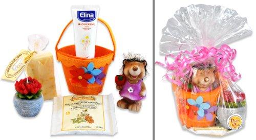 enk-Set Kamilla mit Ringelblumenseife und Kamillen Handcreme sowie dekorativer Blumenkerze plus niedlicher Igelfigur (Niedlich Jahrestag Ideen)