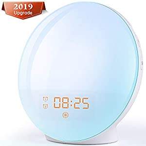 Alarm Clock Wake Up Light – Light Alarm Clock with Sunrise/Sunset Simulation Dual Alarms and Snooze Function, 7 Colour Atmosphere Lamp, 7 Natural Sounds and FM Radio, Built-in Phone Charging Port