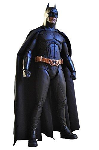 - Figurine Batman Begins - Batman Christian Bale- Matière PVC- Vendu sous window box- Taille 45 cm