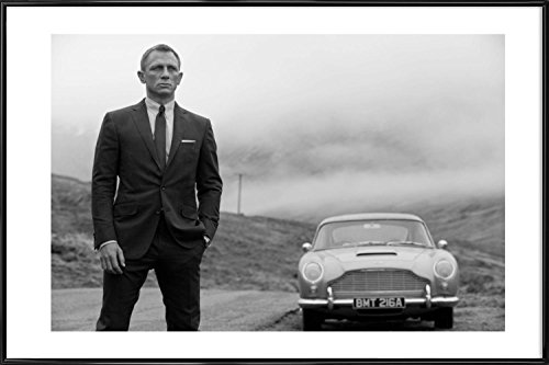 JUNIQE® James Bond Schauspieler & Schauspielerinnen Poster im Kunststoffrahmen 20x30cm - Design