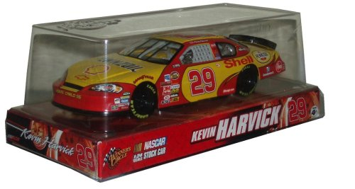 2007-kevin-harvick-29-pennzoil-shell-chevrolet-monte-carlo-winners-circle-1-24-scale-by-nascar