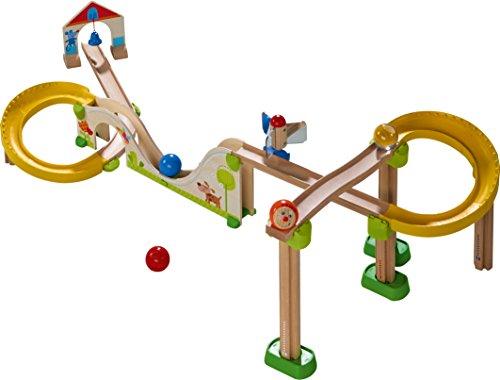 HABA 300436 - Kugelbahn Kullerbü - Berg und Talbahn, Holzkugelbahn mit vielen Höhen und Tiefen, Glöckchen-Tor und Spiegelrad, Spielzeug ab 2 Jahren