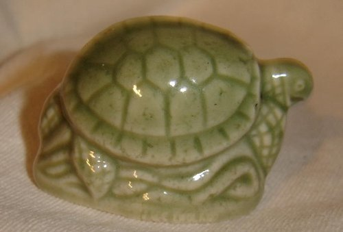 green-sea-turtle-red-rose-tea-wade-figurine-north-american-endangered-series-1999-2002-by-wade