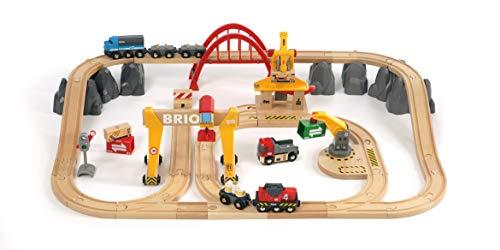BRIO World 33097 Frachten Set Deluxe – Schienenset mit batteriebetriebener Frachtlok und Eisenbahn Zubehör – Kleinkindspielzeug empfohlen ab 3 Jahren