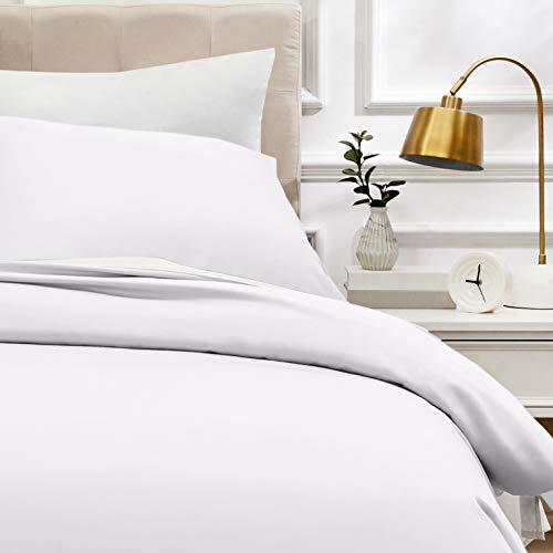 AmazonBasics - Bettwäsche-Set, Fadendichte 400, Baumwollsatin, 140 x 200 cm und einem Kissenbezug, 65 x 65 cm, Weiß