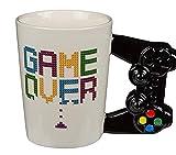 MC Trend Becher-Tasse Game Over mit Controler Griff Kaffee-Getränke Spiel-Geschenk-Deko-Idee Freunde Nerd