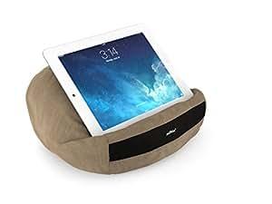 padRelax casual iPad Kissen / Tablet Halter / Halterung / Ständer / Stütze - für Bett, Sofa, Couch, Tisch - Top Zubehör für Geräte bis 10.5 Zoll (Apple iPad Air, Samsung Galaxy Tab, eReader) Camel