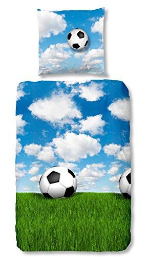 Aminata Kids - Fein-Biber-Bettwäsche 135-x-200 cm Fussball-Motiv Sport 100-% Baumwolle hell-blau-e bunt-e