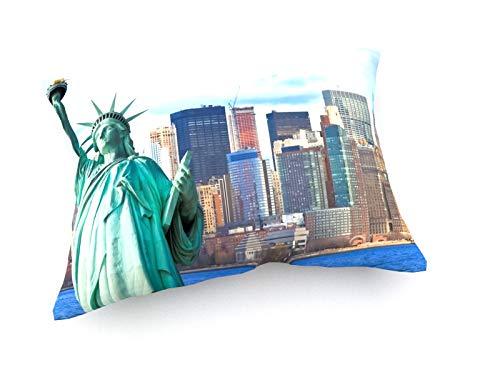 weewado Chiramanas Jutidharabongse - Die Freiheitsstatue und Manhattan New York City Skyline - 60x40 cm - Sofa-Kissen aus Satin - Kunst, Gemälde, Foto, Bild auf Kissen - Städte & Reise - Metropolitan Insel