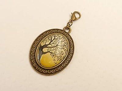 Pendentif avec motif arbre