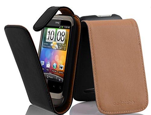 Preisvergleich Produktbild Cadorabo Hülle für HTC WILDFIRE - Hülle in KAVIAR SCHWARZ – Handyhülle aus glattem Kunstleder im Flip Design - Case Cover Schutzhülle Etui Tasche