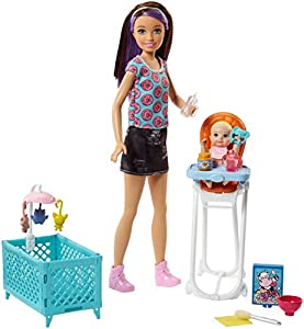 Barbie Babysitters Inc. Doll and Playset Muñeca Skipper Hermana Accesorios, Multicolor (Mattel FHY98)