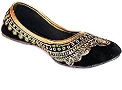 Aadhyas Black Golden jari work Punjabi Velvet Jutti