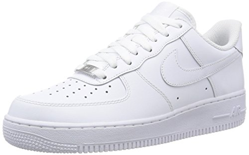 best service 23eb0 c3b0a Nike Men s Air Force 1  07 Basketball Shoes, White, 8 UK (42.5