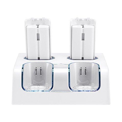 Jevogh Caricabatterie + Batteria per telecomando Wii, GR54 Stazione di ricarica 4 in 1 per Telecomandi Nintendo Wii con 4 batterie ricaricabili - Bianca