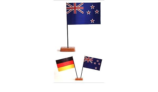 Tischst/änder Estland Tischflagge 15x25 cm in Profiqualit/ät wahlweise mit oder ohne 42 cm Massivholz