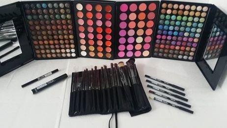 kit de maquillage palette fard à joues Italie 236 couleur blush illuminant ombres à paupières rouges à lèvres