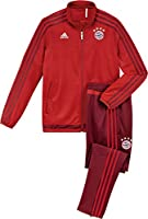 Official 2015-2016 Bayern Munich Training Suit, available to buy online in junior sizes small boys, medium boys, large boys, XL boys. This tracksuit forms part of the Bayern Munich 2015-2016 training range and is manufactured by...