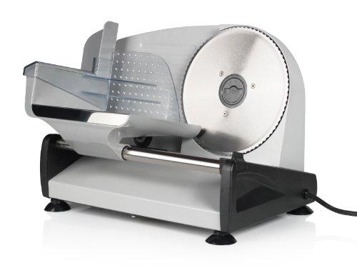 Tristar EM-2099 Affettatrice 150 watt Acciaio La resistente e potente affettatrice Tristar EM-2099 affetta con facilità qualsiasi tipo di carne, formaggio e pane. Taglia la carne a fette sottili o il pane a fette spesse per i tuoi toast regolando lo ...