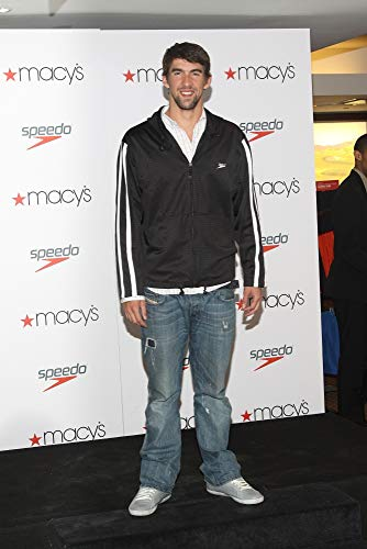 Michael Phelps At In-Store Appearance For World Champion Swimmer Michael Phelps At Speedo Swimwear Promotion, Macy'S Herald Square Department Store, New York, Ny April 24, 2010. Photo By: Rob Kim/Everett Collection Photo Print (20,32 x 25,40 cm)