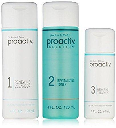 PROACTIV Solution Deluxe Box - Traitement de l'acné - Kit Compléte 4 pièces (approvisionnement de 60 jours)- Produit original Guthy Renker (Green Tea Moisturizer)