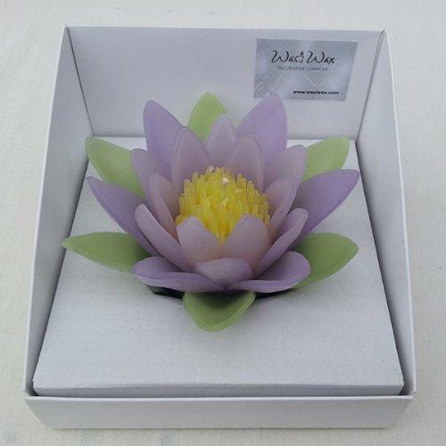 Lila WASIWAX perfumada vela flotante de agua Lily, Morado, 13.5 x 13.5 x 7cm - Large