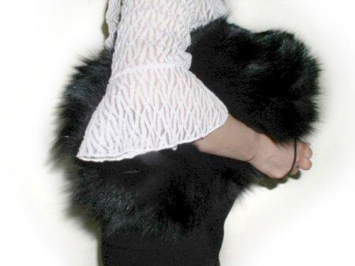 Espagnol muff fourrure de lapin FursNewYork à main et sac d'embrayage, de grande taille Black w/Leather Shoulder Belt