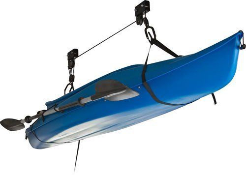Guarde fácilmente su canoa o kayak en su sitio y fuera del alcance de la vista gracias a este sistema de cargas y de elevado a base de 2 cuerdas.Fácil de utilizar por una sola persona.Mecanismo de cierre de seguridad.Puede usarse para guardar las bic...