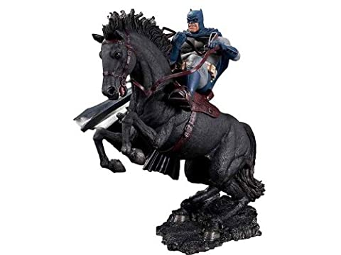 Batman Dark Knight Returns: A Call to Arms Statue