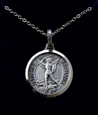 Ciondolo a medaglione, 1,27 cm, con San Michele, in argento Sterling, con pendente in metallo e catenina placcata al rodio, 45,72 cm
