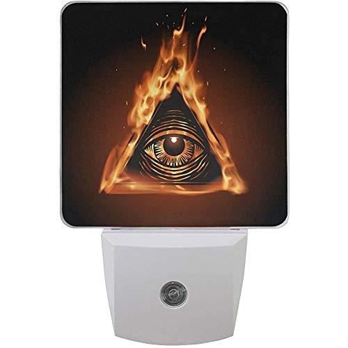 2er-Set Allsehendes Auge in Flamme Tribal Ethnisches Auge Gottes Vorsehung Allwissenheit Horus Auto Sensor L-e-d Dämmerung bis Morgendämmerung Nachtlicht Plug in Indoor für Erwachsene