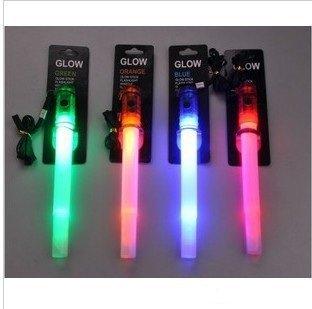 TRIXES 2er Set LED Leuchtstäbe blau und grün mit Pfeife und 4 verschiedenen Lichtmodi von TRIXES