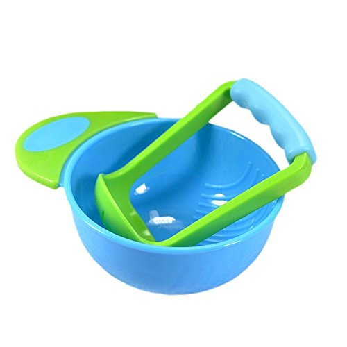 Schüssel und Stampfer, zum Pürieren von Gemüse oder Obst für Zubereitung von Selbstgemachter Babynahrung
